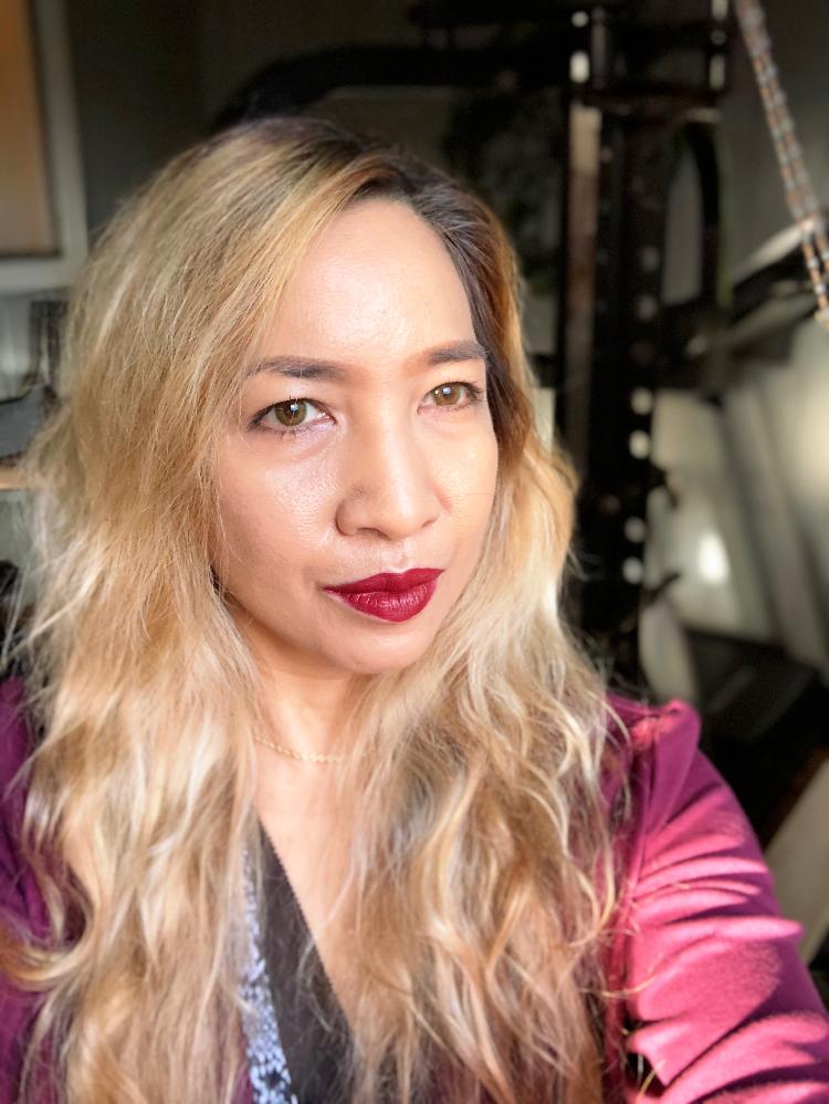 Kat Von D Studded Kiss Lipstick Nahz Fur Atoo