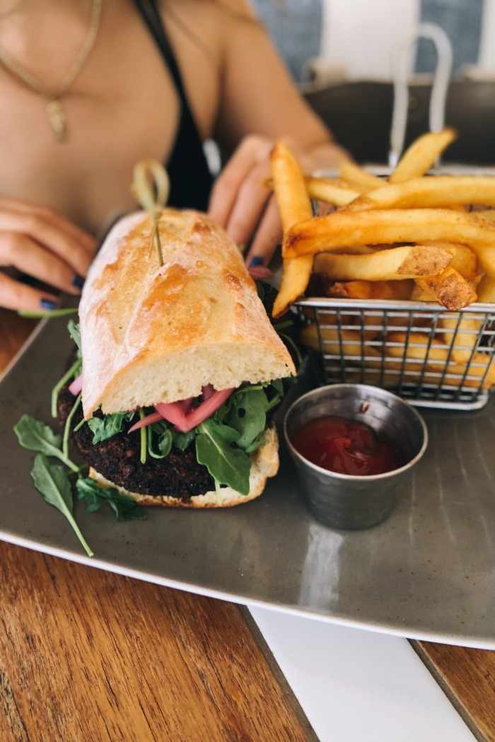 vegan-sandwich-four-seasons-koolina