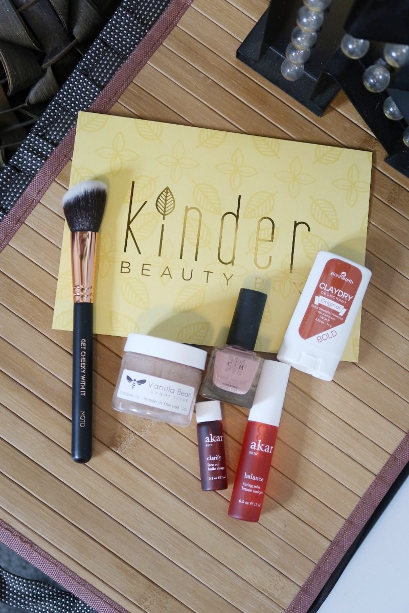 Hawaii Lifestyle Blogger Thefabzilla shares her Kinder Beauty Subscription Box for May